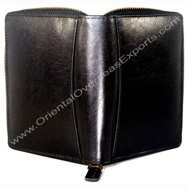 open outside look of Shiny leather wallet with zipper